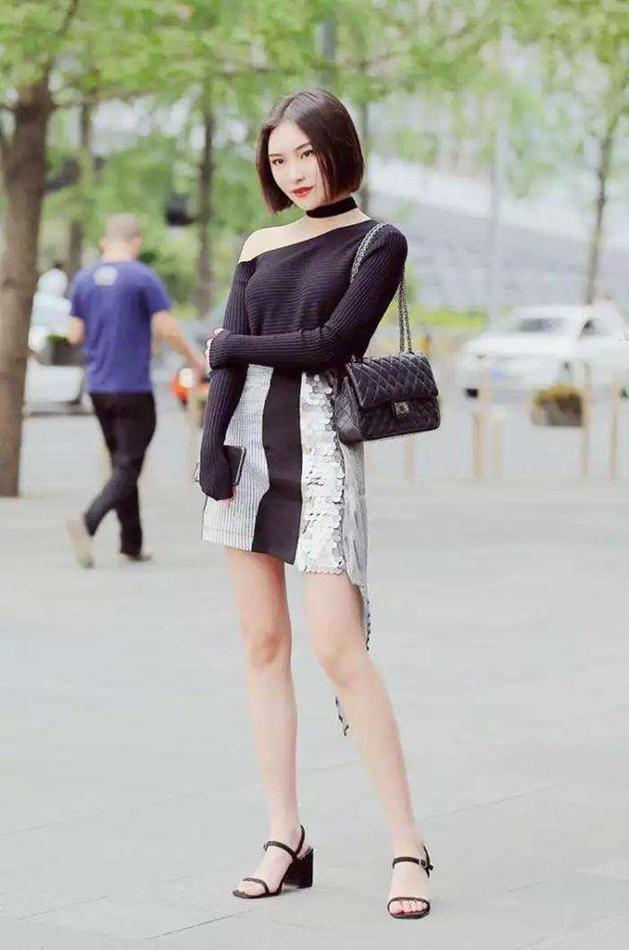 短裙配什么上衣好看?搭配T恤就很美,简约穿法也能穿出时髦气质